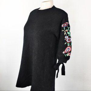Zara Knit Black Dress/Sweater Embroidered Flowers